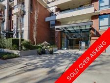 Yaletown Apartment for sale: Yaletown Park 1 bedroom 589 sq.ft. (Listed 2016-02-24)
